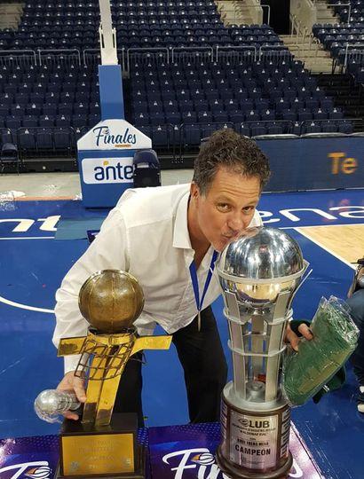 Adrián Capelli: El entrenador juninense bicampeón en Uruguay