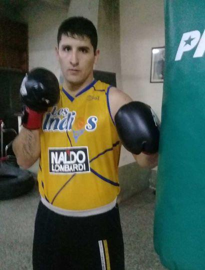 """El pugilista juninense Lucas """"Terrible"""" García va a medirse esta noche con Diego Díaz."""