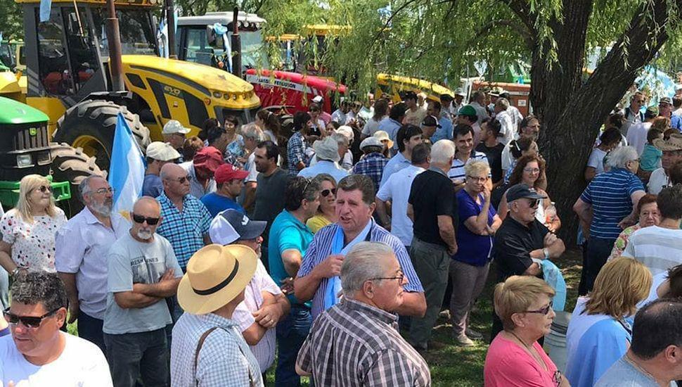 Unos 150 tractores se concentraron en las rutas 8 y 188 de la vecina ciudad de Pergamino.