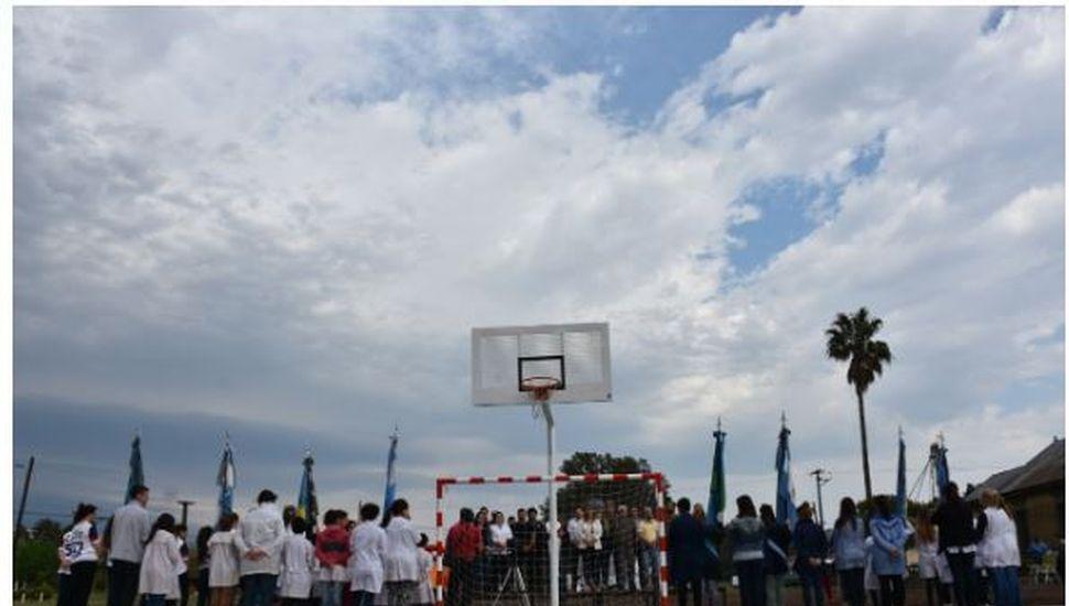 Se inauguró un nuevo playón deportivo en Ascensión