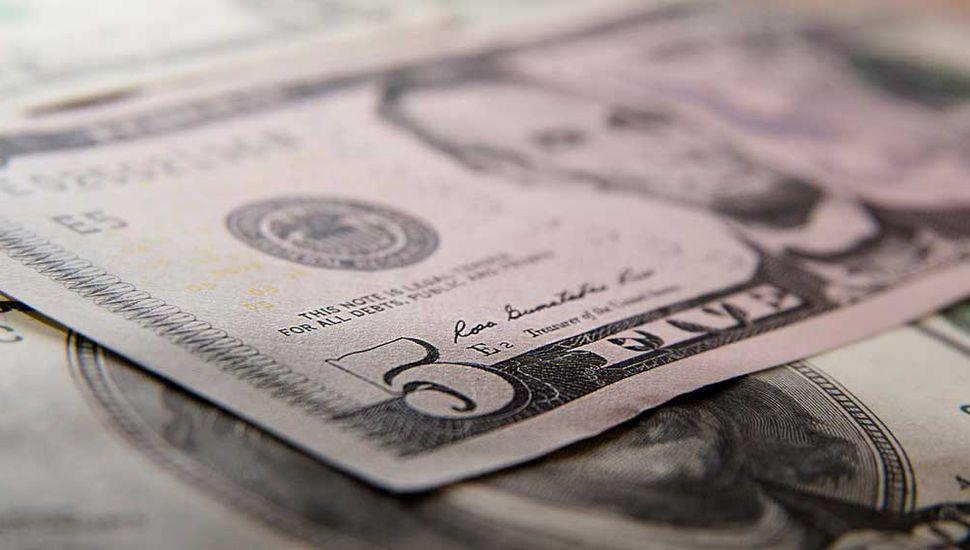 El dólar bajó a $46