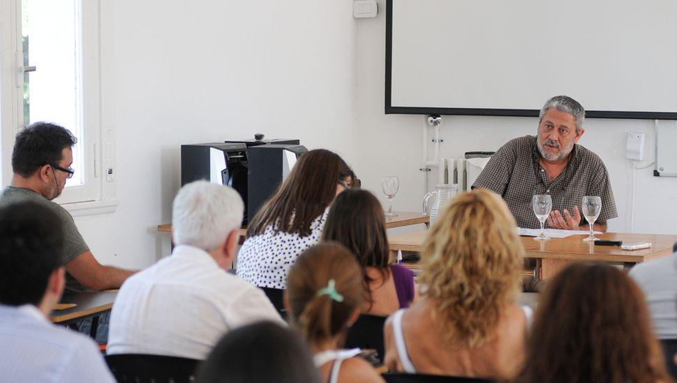 Profesores y graduados  versarán sobre la historia local