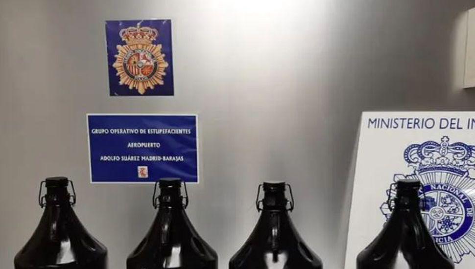 Arrestan en Madrid a un argentino con más de 20 litros de éxtasis líquido
