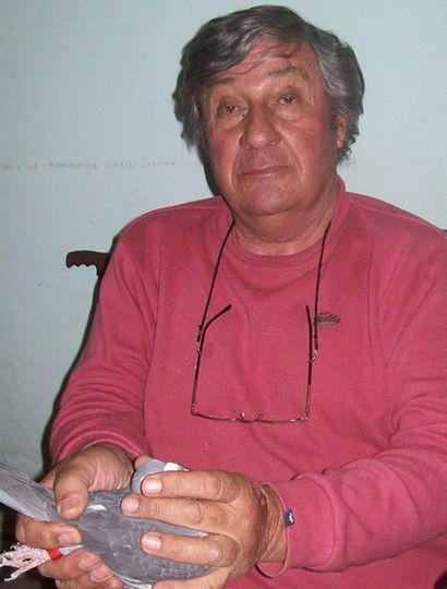 El experimentado Carlos Ferro, de Junín, ganó dos sueltas de adultas.