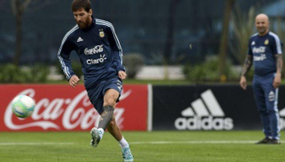 Sampaoli se reunió con Messi en Barcelona de cara a los partidos ante Perú y Ecuador