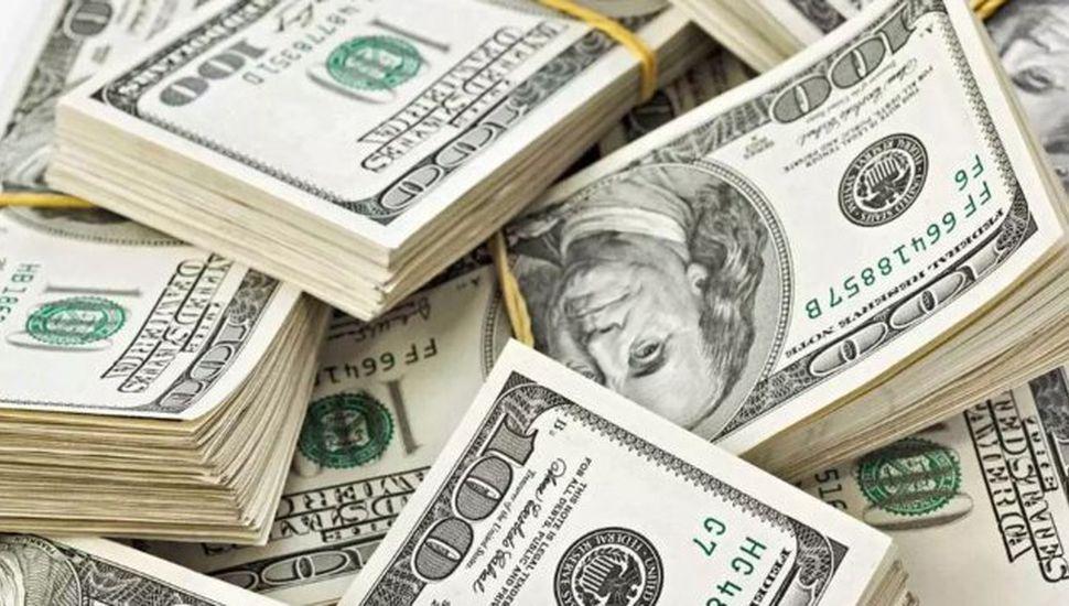 El dólar roza los $45 y la Bolsa tuvo una jornada en caída