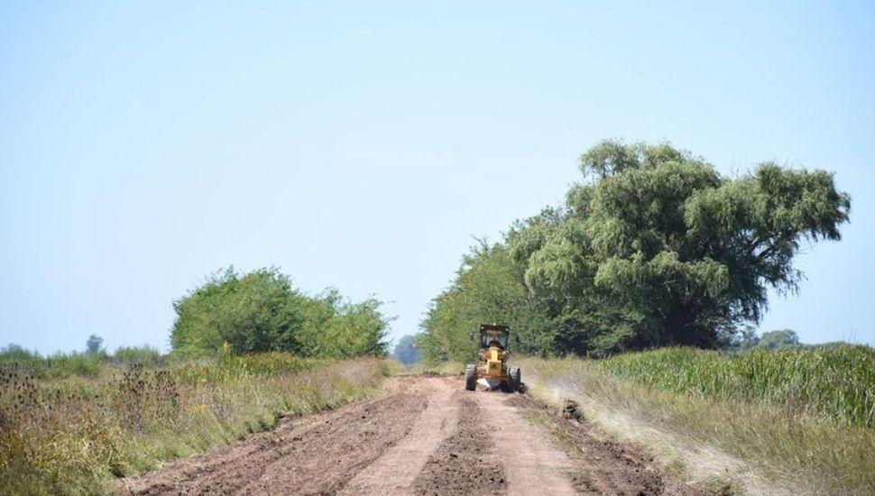 Avanza el arreglo de caminos rurales en el partido de Chacabuco