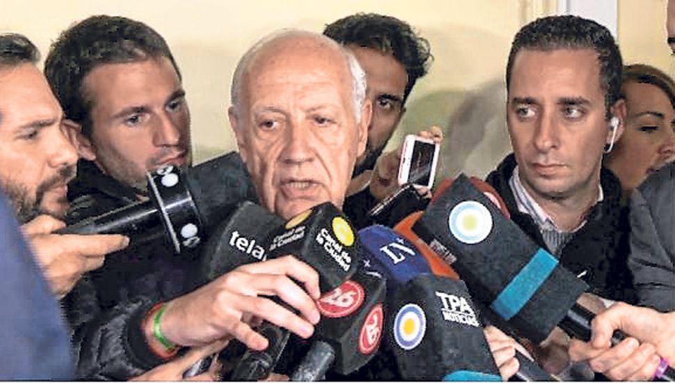 """Lavagna pidió no votar """"por bronca ni por miedo"""""""
