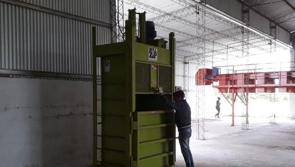 Limpian el predio donde funcionará la planta de reciclado en Arenales