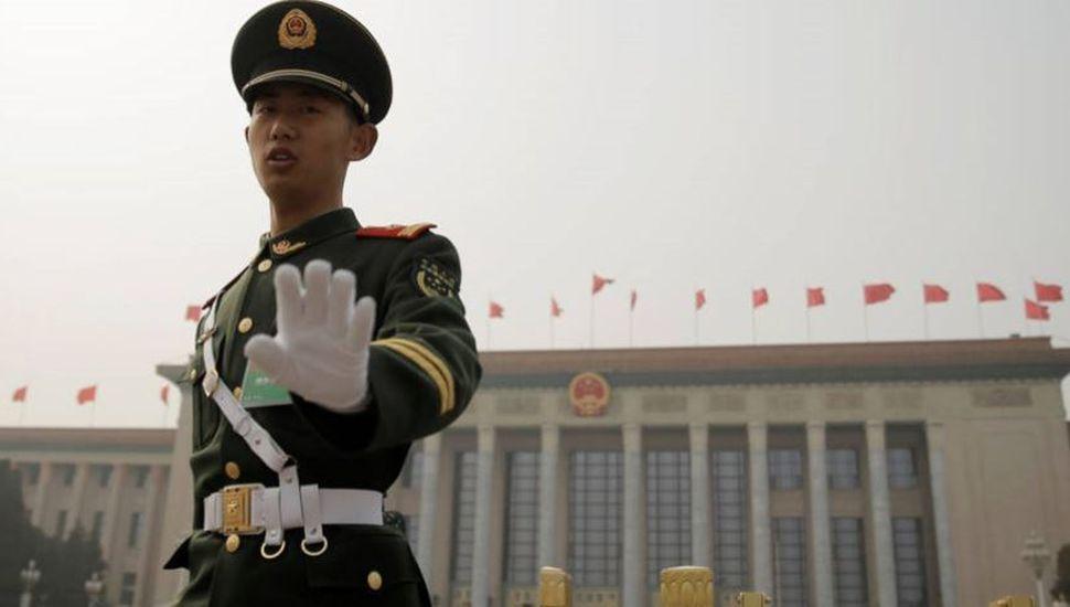 China: una madre le pegó y abandonó a su hijo porque no se sacó sobresaliente en la escuela