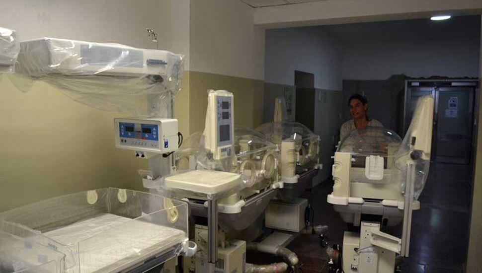 Proveedores de Tandil llegaron para probar las incubadoras y calibrar sensores.