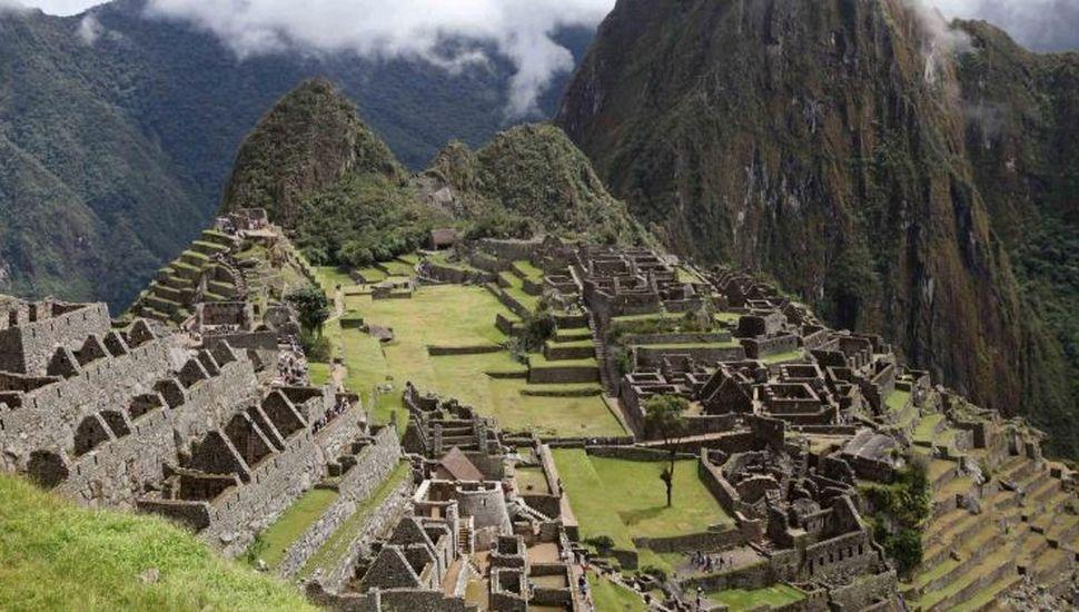 Machu Picchu: detuvieron a turistas argentinos por dañar un templo y defecar en la zona