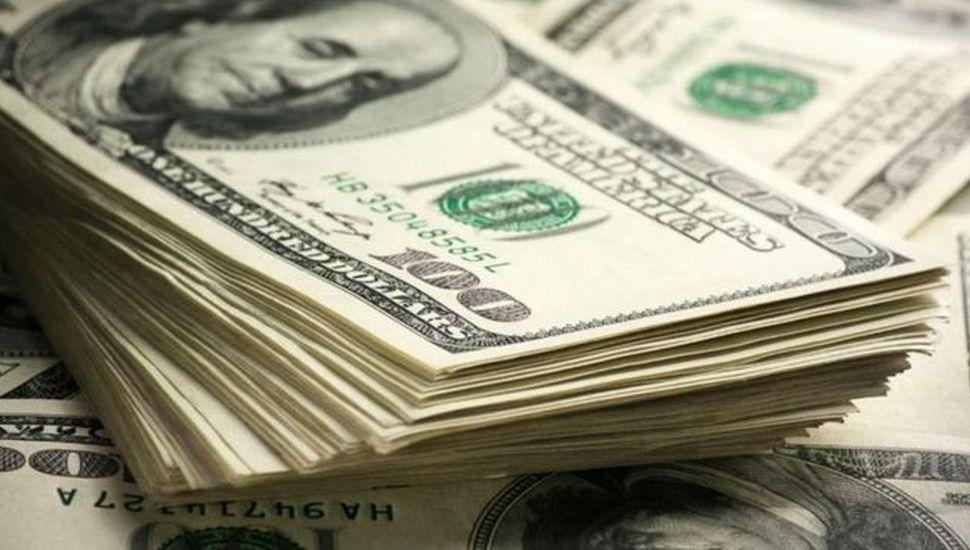 Subió el dólar y el riesgo país, y bajó  la bolsa porteña