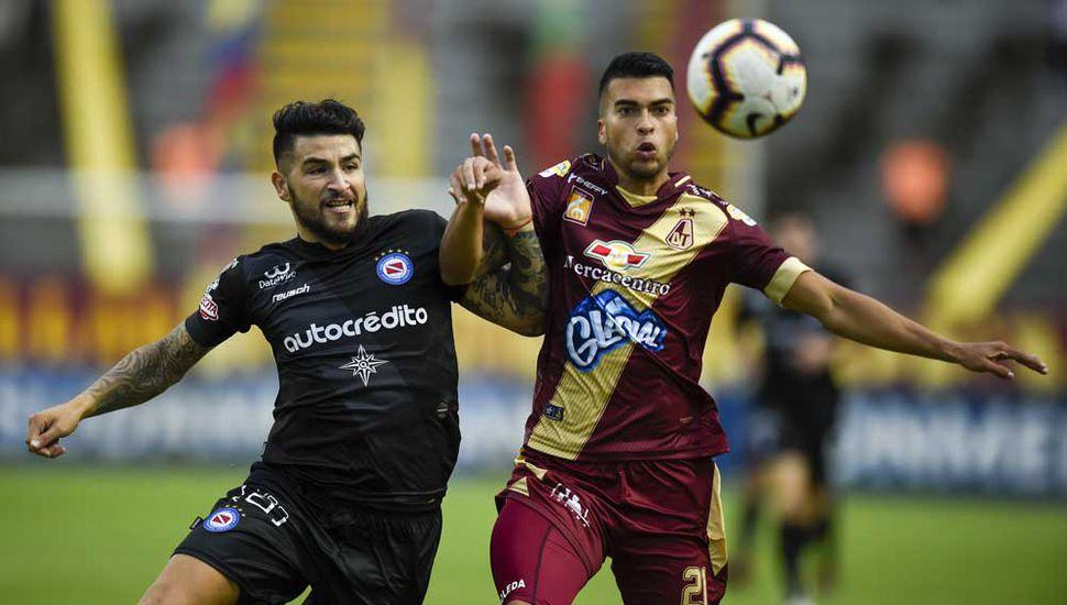 Argentinos Jrs. aguantó bien en Colombia y pasó a otra fase de la Copa Sudamericana, donde lo espera Colón de Santa Fe.