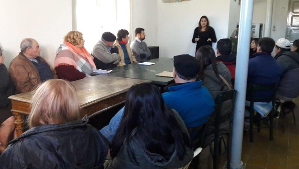 Bayauca: realizaron una charla de asesoramiento para tramitar títulos de viviendas