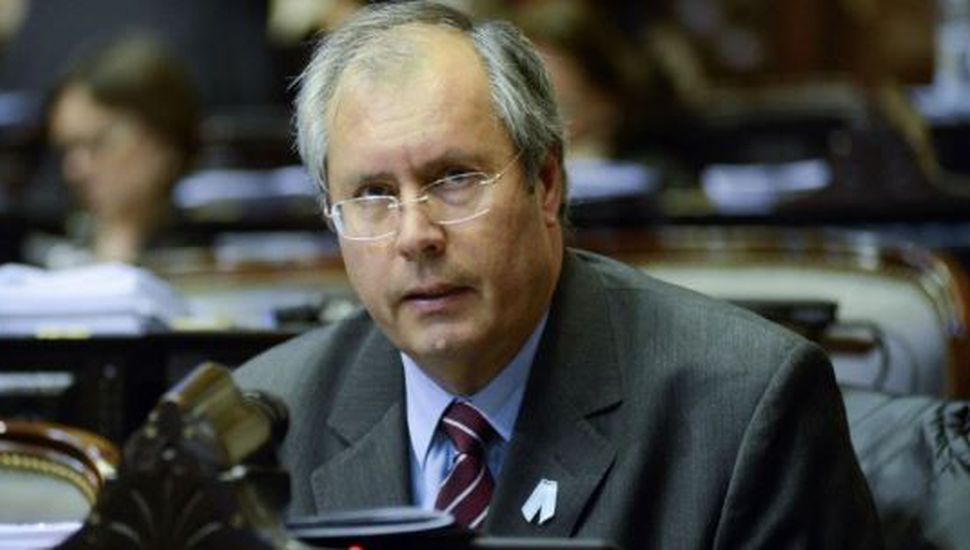 Falleció el diputado Héctor Olivares