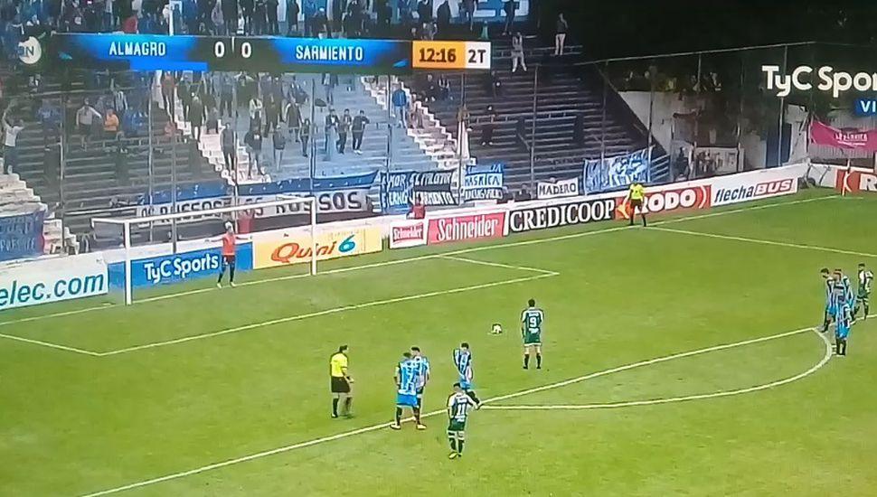 Sarmiento venció 2 a 0 a Almagro (puntero) que hoy perdió el invicto