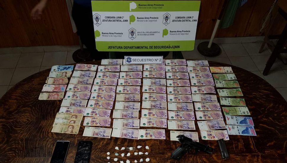Aprehendidos con cocaína, un arma de fuego y dinero en efectivo