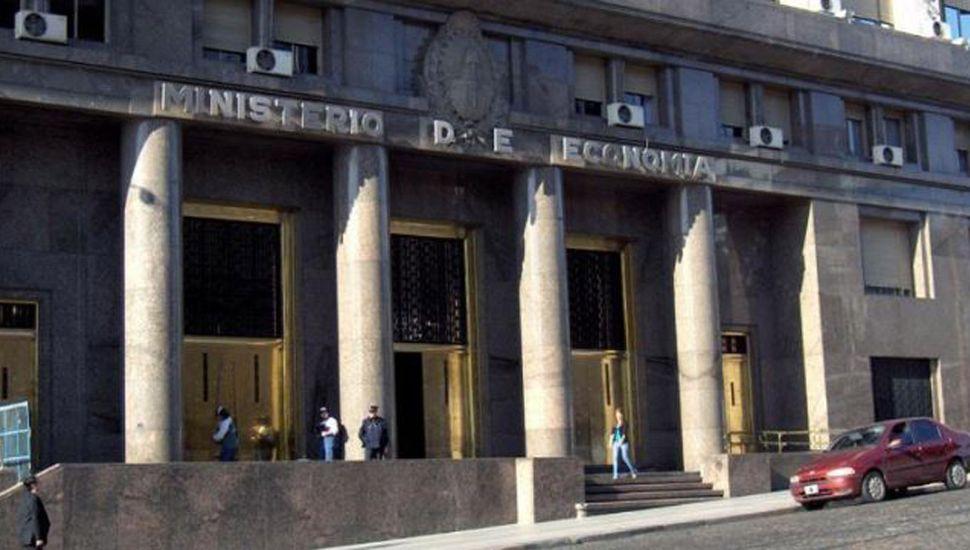 El Gobierno canjeó deuda por 96.612 millones de pesos