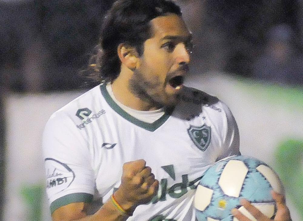 Iván Delfino define hoy el equipo titular de Sarmiento, para visitar a Atlético de Rafaela - Diario Democracia