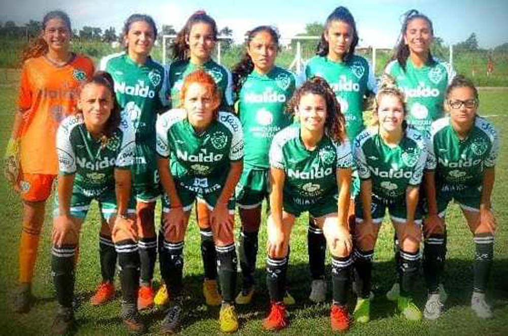 Sarmiento recibe hoy a Banfield, por el torneo de fútbol femenino - Diario Democracia