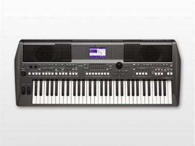 Keyboard Musik Workstation Yamaha PSR-S670