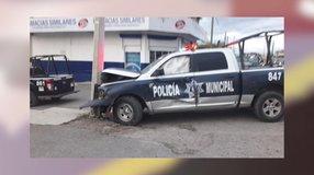 Patrulla de la Policía Municipal se impacta contra poste de la CFE