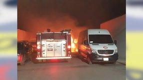 Queman camionetas de trasporte de personal de Minera Saucito