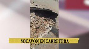 Socavón en carretera de Torreón de los Pastores a Tapias de Santa Cruz