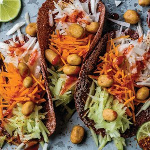 tacos_chamoy_vegetales_cacahuates