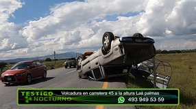 Volcadura en Carretera Federal 45 a la altura Las Palmas