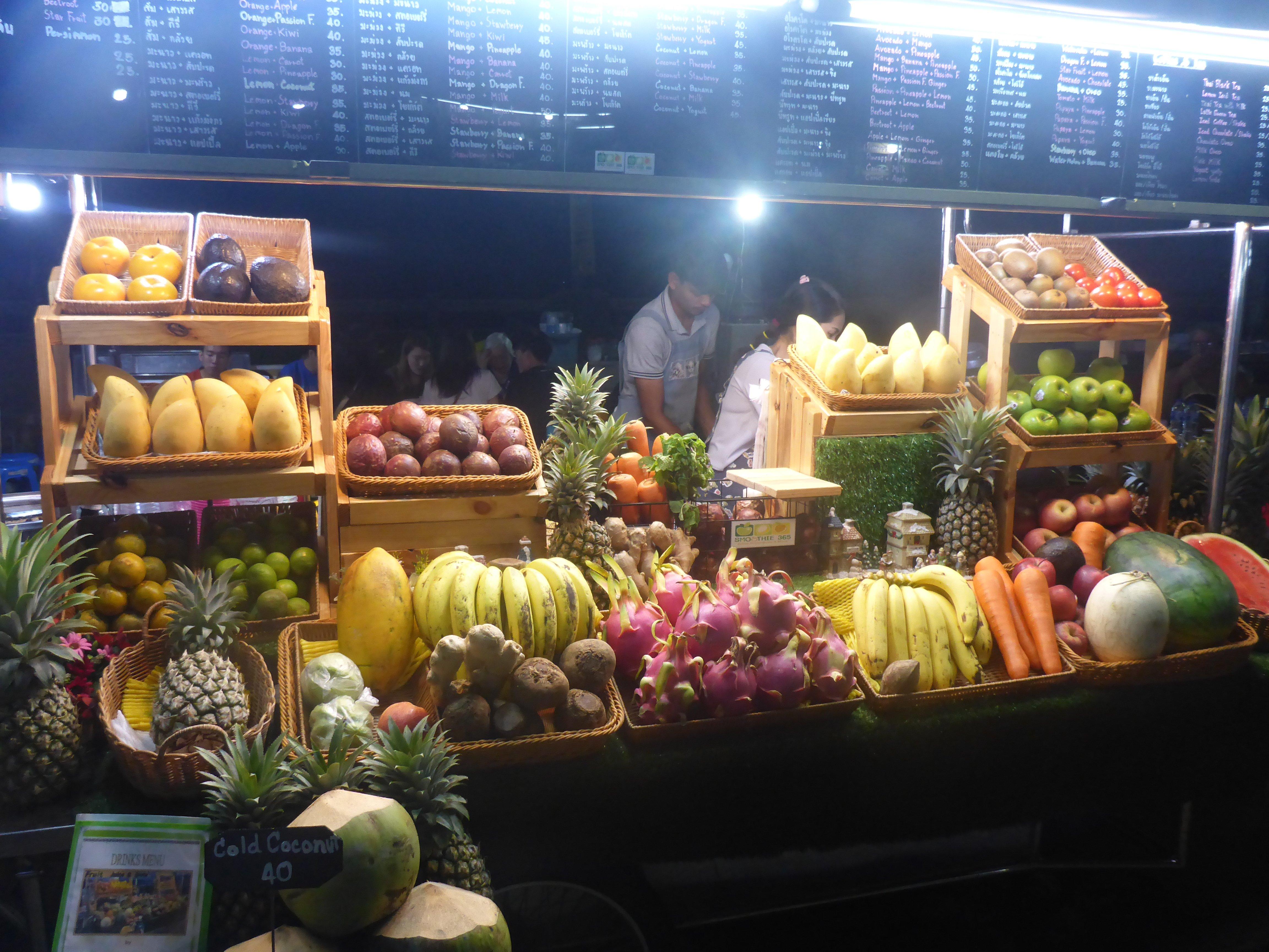 Nood aan een dosis vitaminen? Keuze genoeg ook aan healthy streetfood in Thailand
