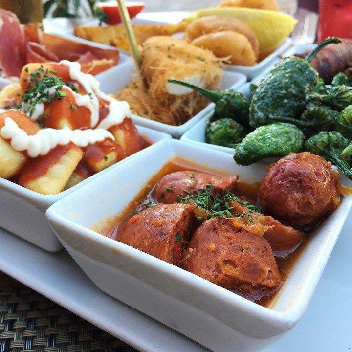 Tapas eten in Granada, SPanje
