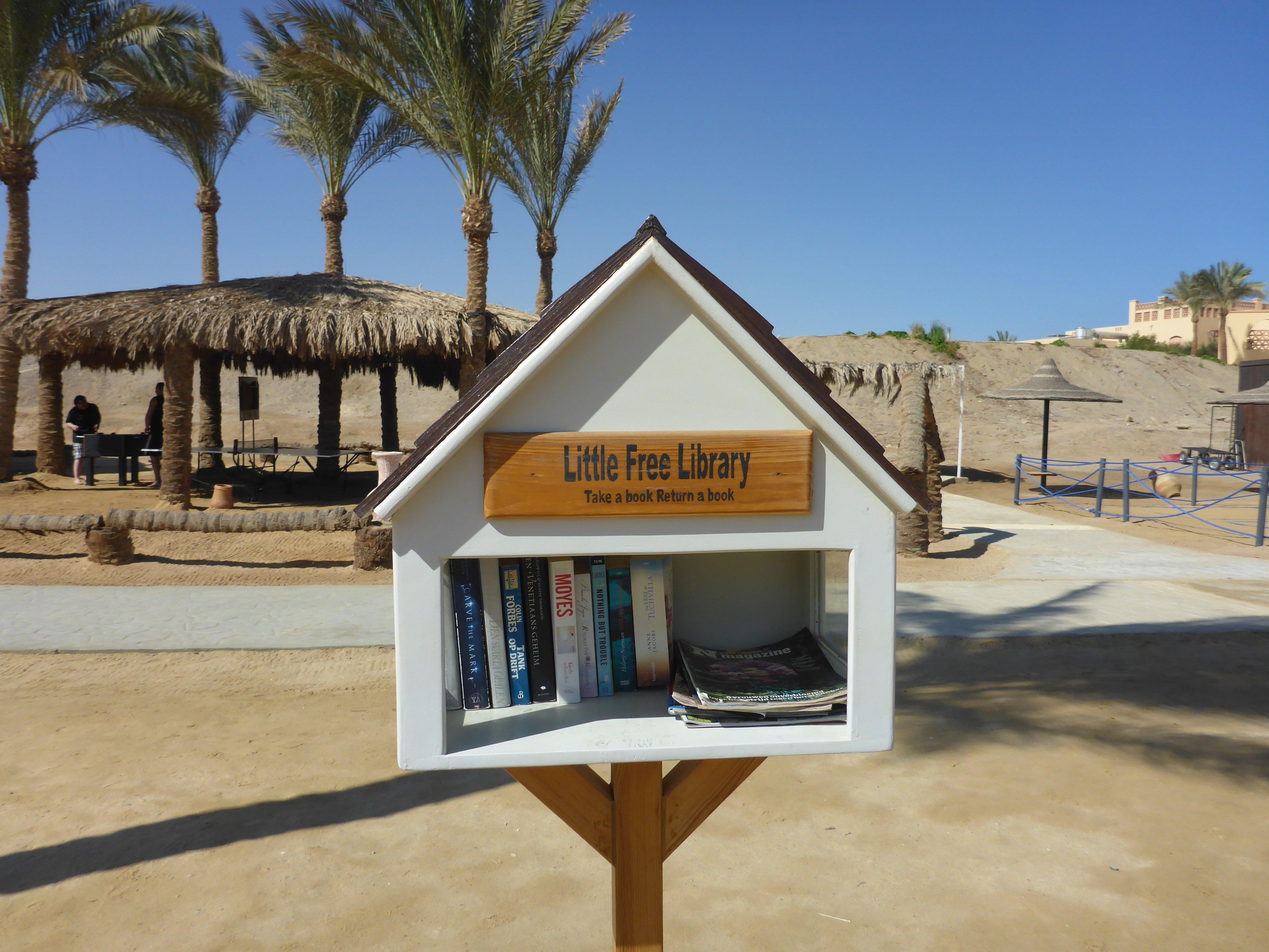 Een boekje lezen op het strand? Ook dat krijg je bij je all in tijdens je last minute naar Marsa Alam
