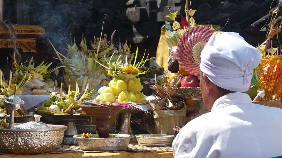 offer tempel vakantie bali