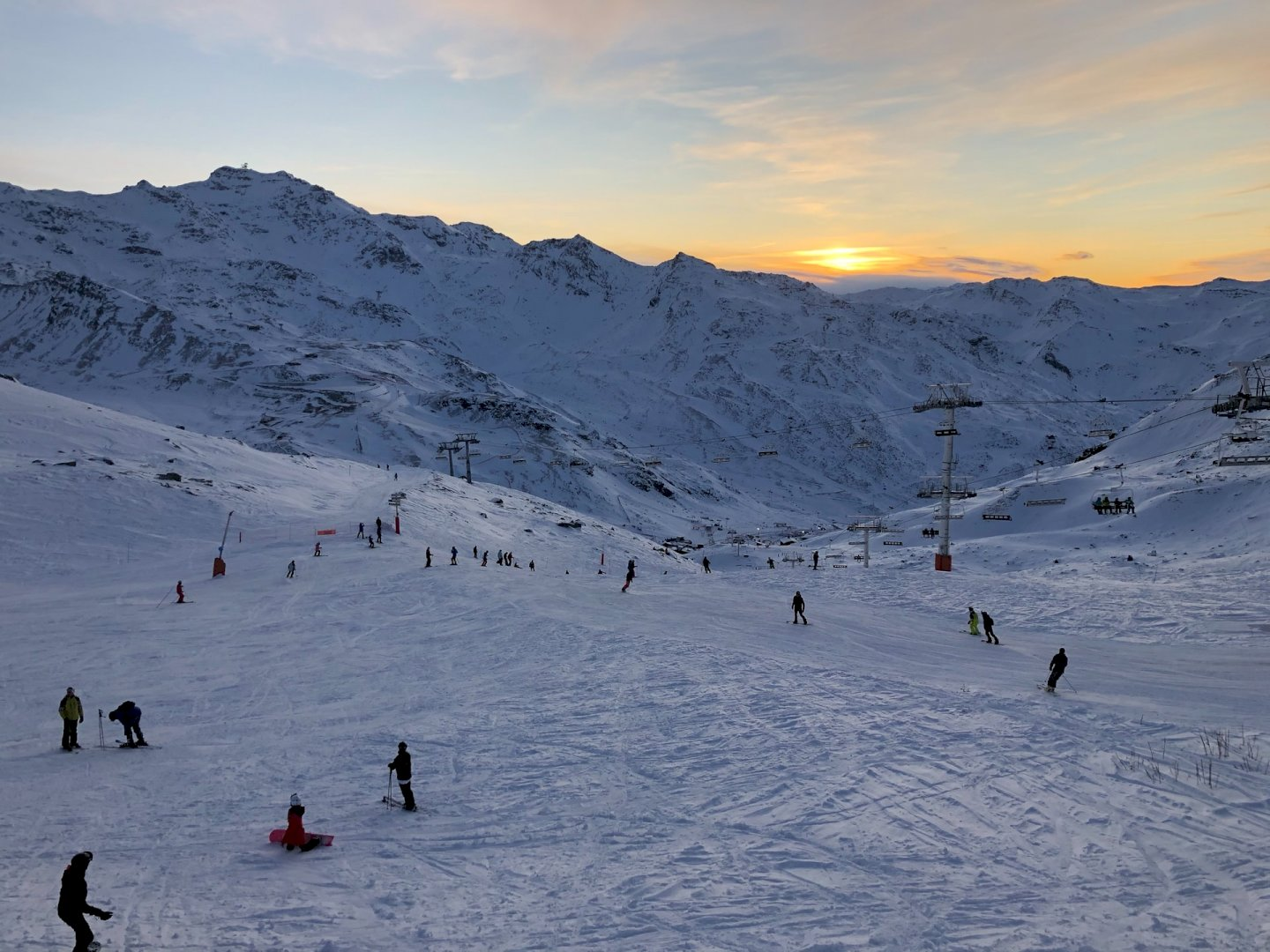 "<font face=""TheGreatOutdoors-Rough-Regular"" style="""" size=""7"" color=""#ffffff"">wintersport in val thorens</font>"