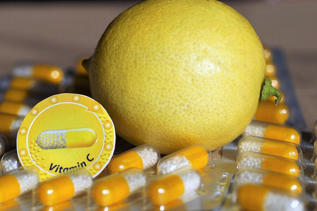 Ascorbate de sodium en gélules: bienfaits, danger et posologie de cet acide organique.