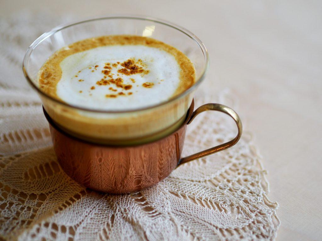 Le curcuma peut être utilisé dans des recettes santé comme le lait d'or.