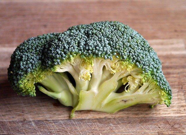 Dans l'alimentation, le chrome est notamment présent dans le brocoli.