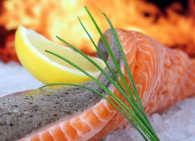 Dans l'alimentation, le coenzyme Q10 est présent en abondance dans les poissons gras.
