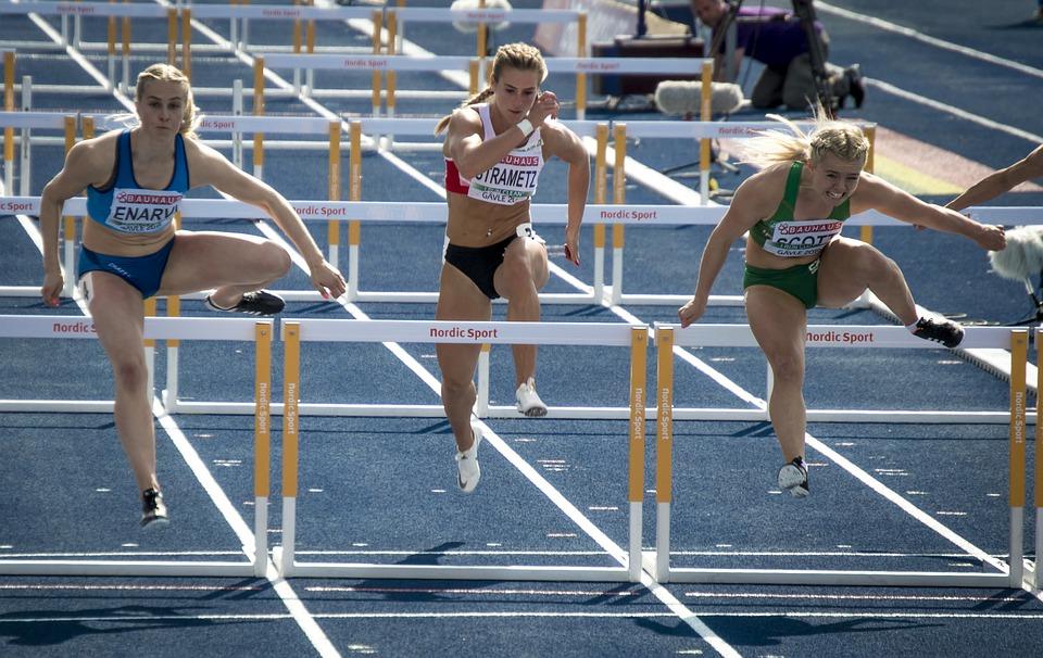 Compétition d'athlétisme : l'alimentation du sportif est primordiale pour améliorer les performances physiques.