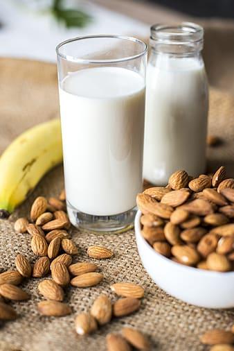 Verre de lait : le régime sans lactose a pour objectif d'éviter la consommation de certains produits laitiers.