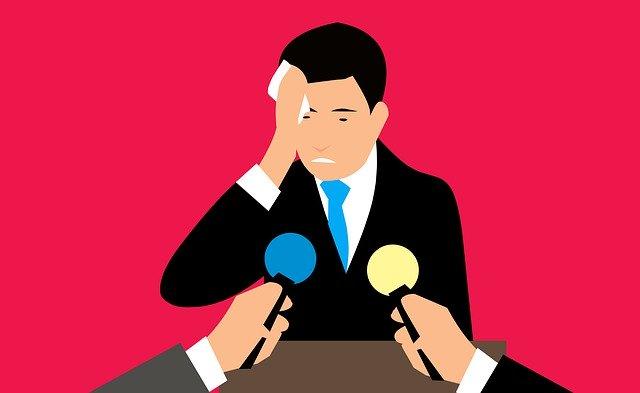 Homme souffrant d'anxiété : l'alimentation a un impact sur la santé mentale.