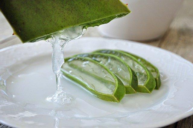Gel d'aloe vera: peut être utilisé sur la peau.