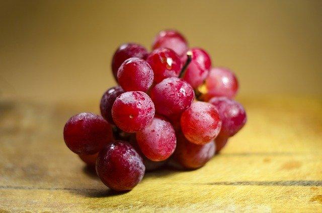 Raisin: bienfaits, danger et effets indésirables de la cure de raisin.