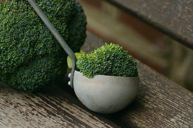 Brocoli: aliment recommandé dans le cadre du régime anti-candida.