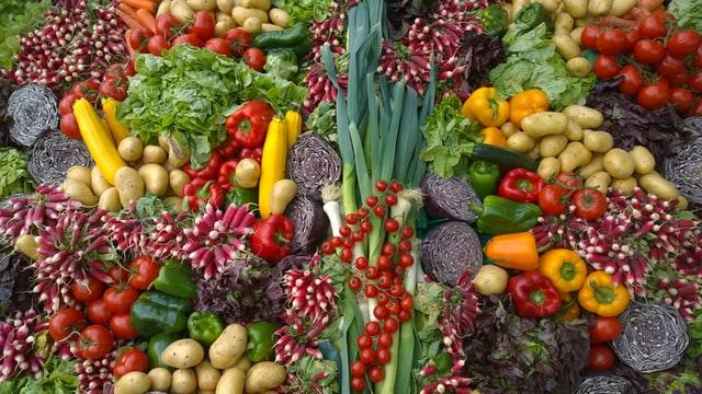 Fruits et légumes riches en fibres alimentaires: définition, rôle et bienfaits des fibres alimentaires.