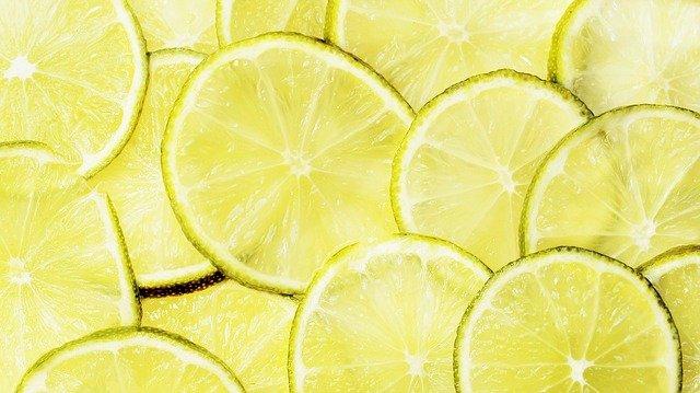 Citron en rondelles: bienfaits et danger de la pectine de citrus, extraite des agrumes.