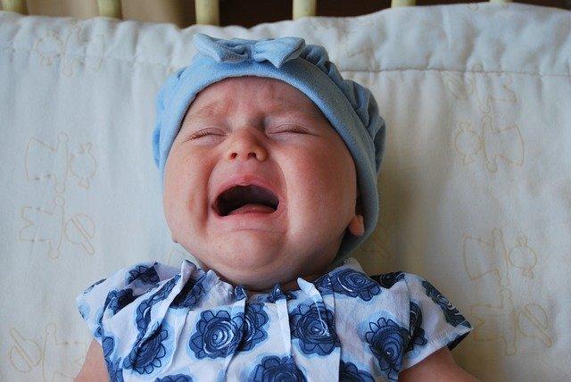 Bébé en train de pleurer: comment réagir face aux pleurs du bébé et de l'enfant?