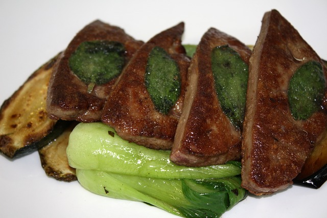 Foie de veau : aliment riche en cuivre, bienfaits et toxicité de cet oligo-élément.